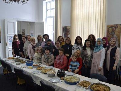 Humanitarno druženje, promocija kulinarstva i doniranje hrane udruženjima koja brinu o ljudima u potrebi.